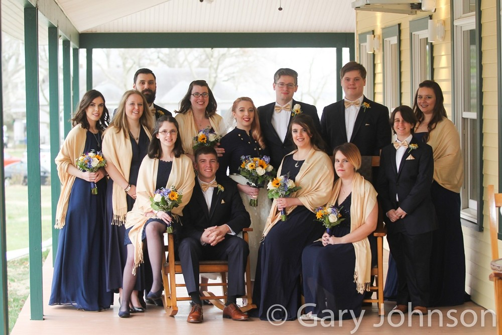 Group photo and bride, groom and bride's maids and groomsmen